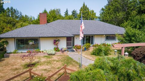 Photo of 1 Spruce Dr, Myrtle Point, OR 97458