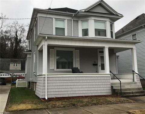 Photo of 233 N 8th St, Martins Ferry, OH 43935