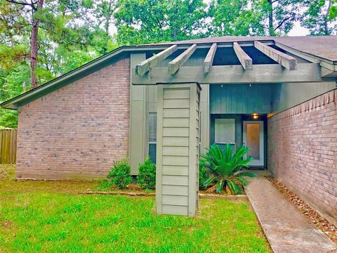 Photo of 19 Rock Pine Ct, The Woodlands, TX 77381