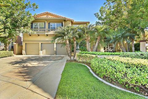 Photo of 7500 E Endemont Ct, Anaheim Hills, CA 92808