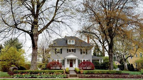 Surprising West Hartford Ct Recently Sold Homes Realtor Com Interior Design Ideas Inesswwsoteloinfo