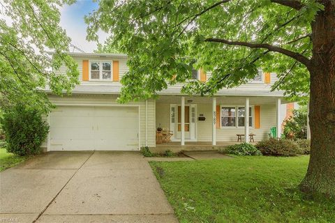 Photo of 8789 Arrowood Dr, Mentor, OH 44060