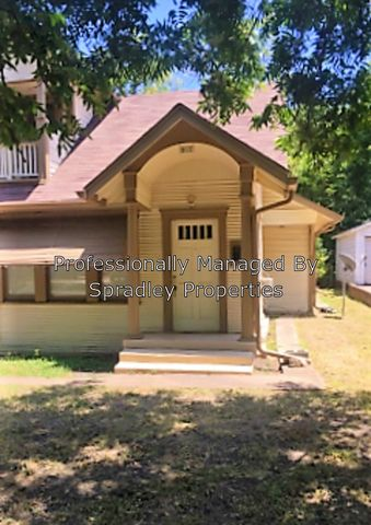 Photo of 917 N 3rd St, Temple, TX 76501