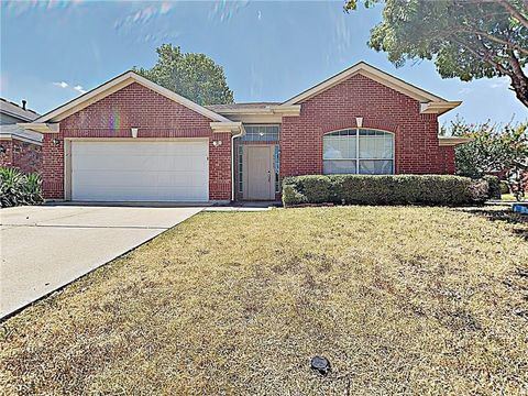 Photo of 5705 Frio Dr, Haltom City, TX 76137