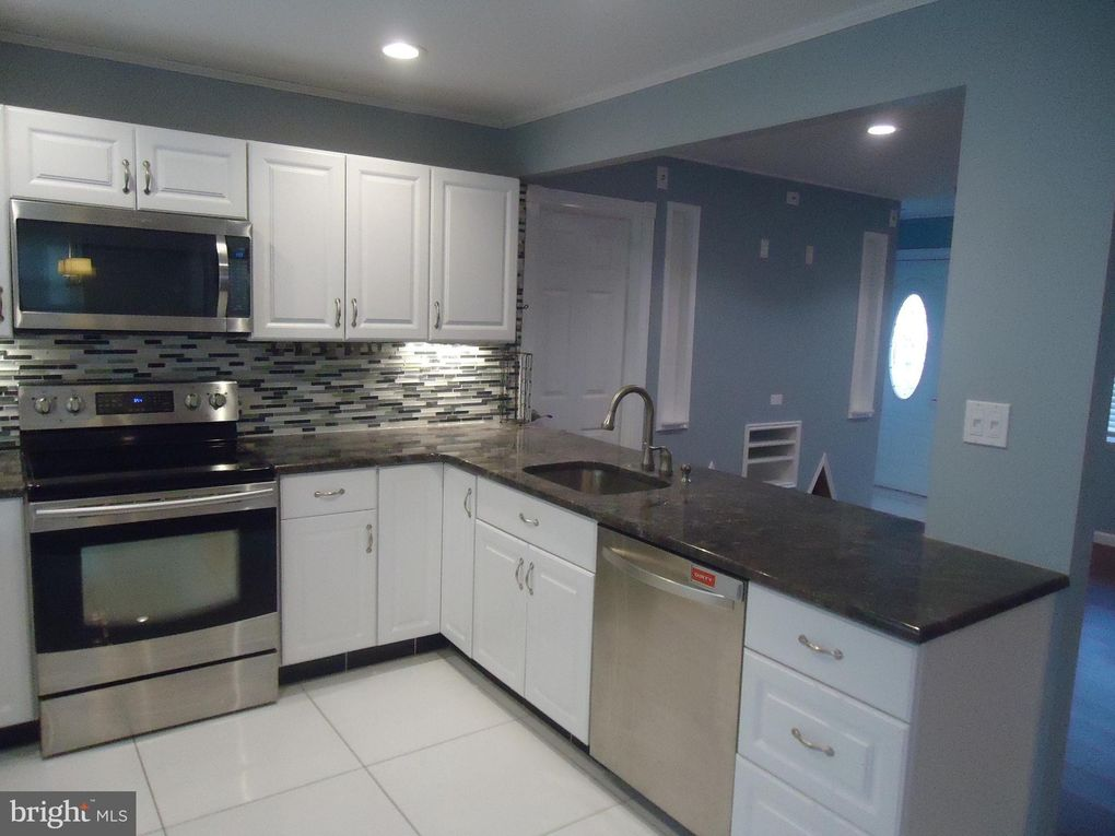 63 Conifer Rd Levittown Pa 19057