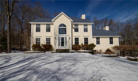 Photo of 241 Stonegate Dr, Southbury, CT 06488