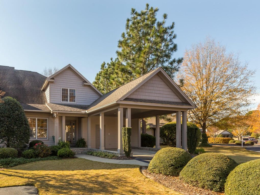 202 Starland Ln, Southern Pines, NC 28387