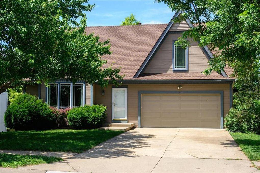 1430 W Prairie Ct Olathe, KS 66061
