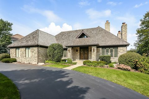 518 Forest Mews Dr, Oak Brook, IL 60523
