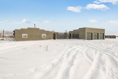Photo of 345 Sunshine Valley Rd, Questa, NM 87556