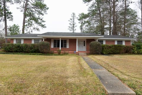 329 Venetian Way, Hattiesburg, MS 39401