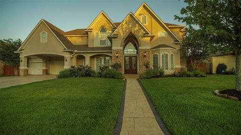 Photo of 13914 Winding Springs Dr, Cypress, TX 77429