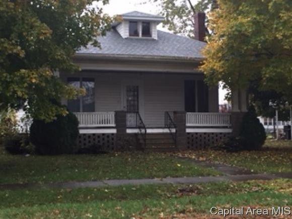 200 W 4th St, Morrisonville, IL 62546