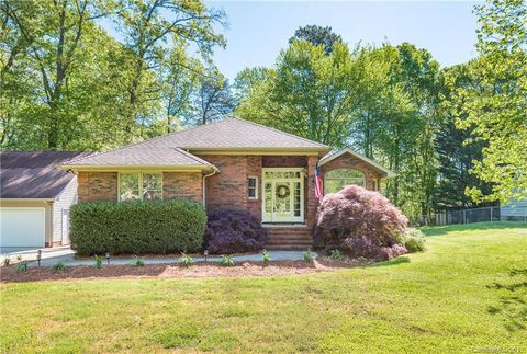 Photo of 116 Lance St, Mount Holly, NC 28120