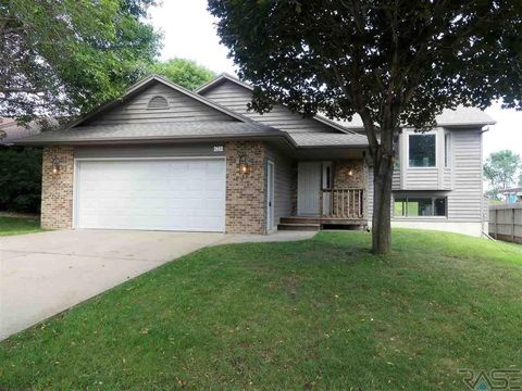 Photo of 2612 S Avondale Ave, Sioux Falls, SD 57110