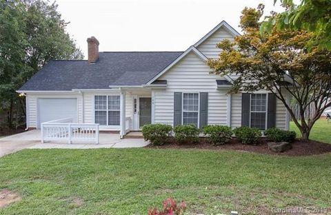 Photo of 140 Heath Ln, Mooresville, NC 28117