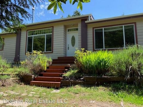 Photo of 313 Se 116th St, South Beach, OR 97366