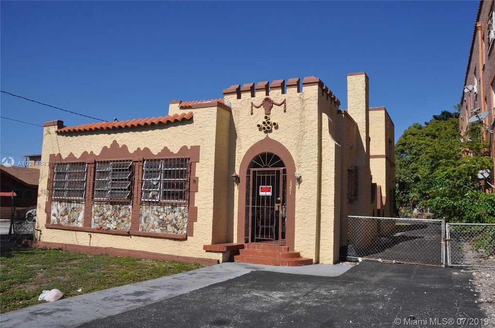 1551 Nw 1st St, Miami, FL 33125