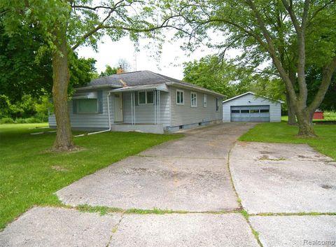 Photo of 8540 N Clio Rd, Mount Morris Township, MI 48458