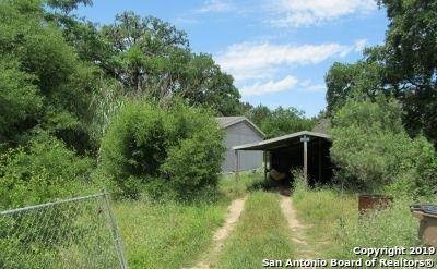 657 Oak Dr Bandera, TX 78003