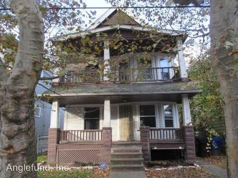 Photo of 2972 E 67th St, Cleveland, OH 44127