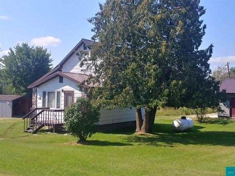 25 N Main St, Winton, MN 55792