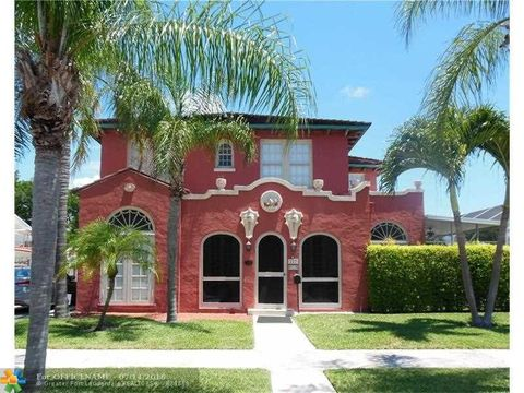 227 Foresteria Dr, West Palm Beach, FL 33403