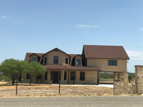 Photo of 618 E Kenwood Ave, Del Rio, TX 78840