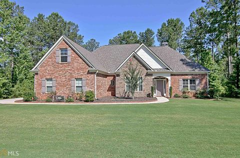 Photo of 117 Fox Hall Xing W, Senoia, GA 30276