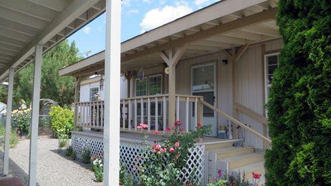 Miraculous 4200 Summers Ln Unit 19 Klamath Falls Or 97603 Home Interior And Landscaping Ponolsignezvosmurscom