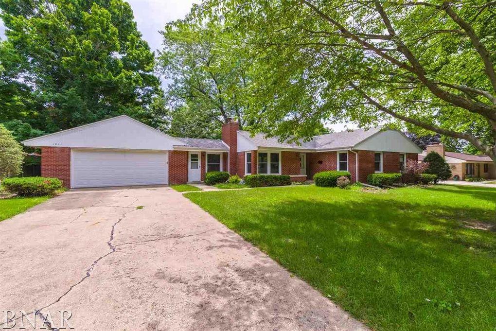 1911 Croxton Ave, Bloomington, IL 61701