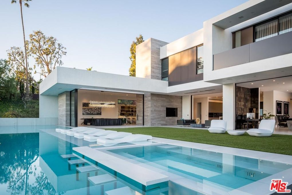 9945 beverly grove dr beverly hills ca 90210. Black Bedroom Furniture Sets. Home Design Ideas