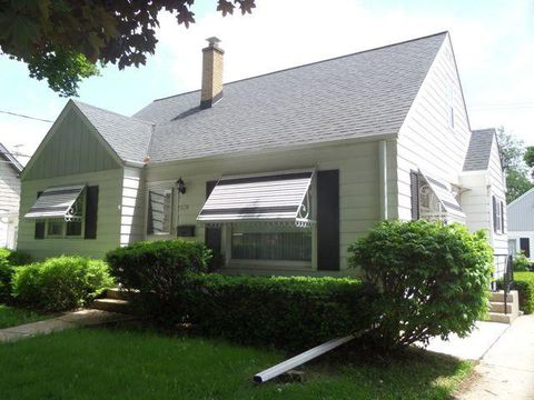 Photo of 2114 S 80th St, West Allis, WI 53219