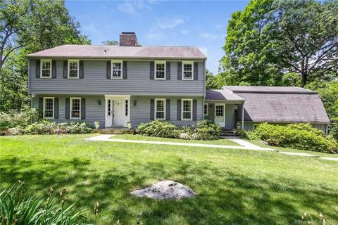 7 Barkwood Hill Rd, Brookfield, CT 06804
