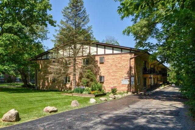 8996 Archer Ave Apt 1 H, Willow Springs, IL 60480