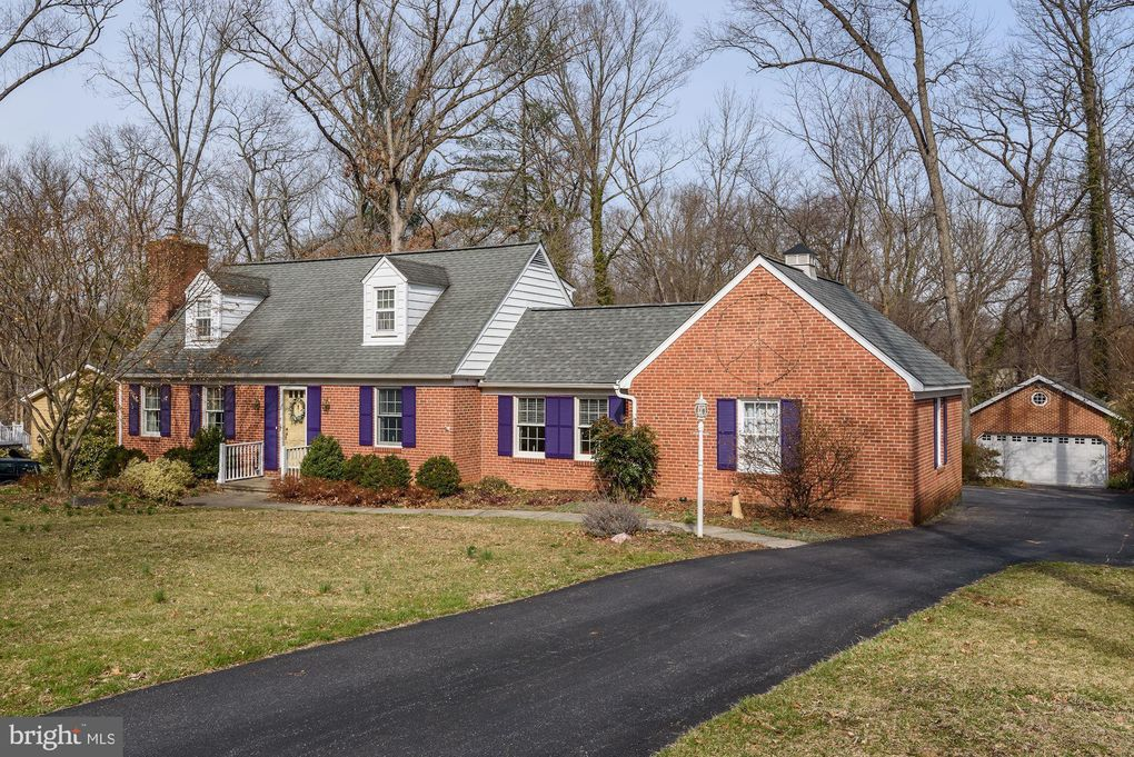 220 Gateswood Rd Lutherville Timonium, MD 21093