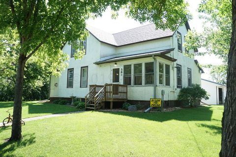 Photo of 501 1st St, Wolverton, MN 56594