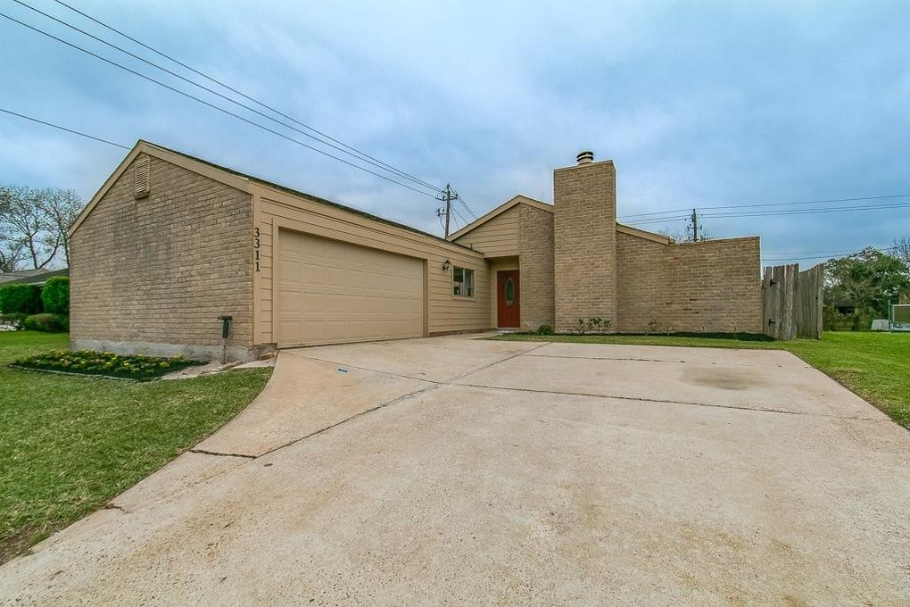 3311 Carmel Valley Dr, Missouri City, TX 77459