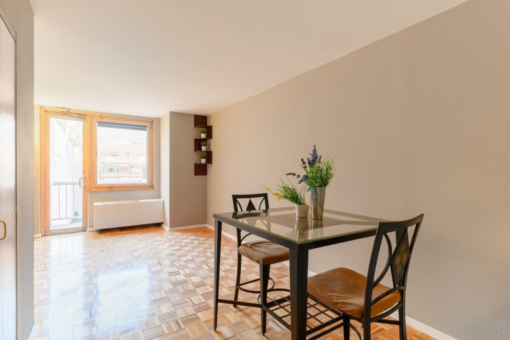 350 W 50th St Apt 5 Hh, New York, NY 10019