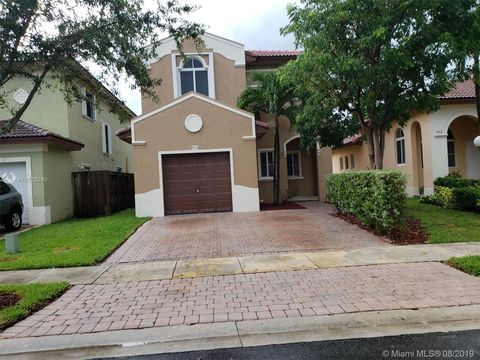 Photo of 924 Ne 41st Ave, Homestead, FL 33033