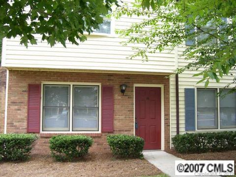 Photo of 1111 Keswick Pl Apt 13, Monroe, NC 28112