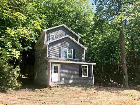 Photo of 31 Bean Rd, Colchester, VT 05446