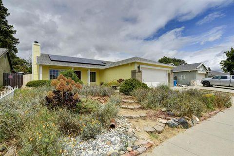 Photo of 1585 Tumbleweed Way, Olivehurst, CA 95961