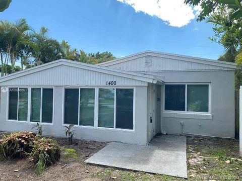 Photo of 1400 Ne 180th St, North Miami Beach, FL 33162