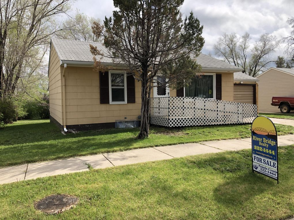 1407 E Franklin St Pierre, SD 57501