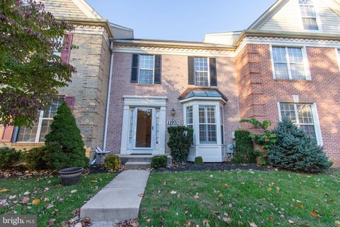 Photo of 11970 Thurloe Dr, Lutherville Timonium, MD 21093