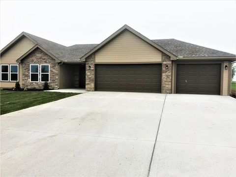 Photo of 904 Orchid St, Garden City, MO 64747