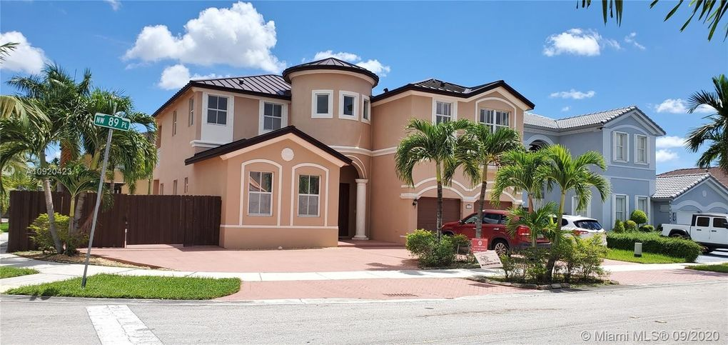 18167 NW 89th Pl Hialeah, FL 33018