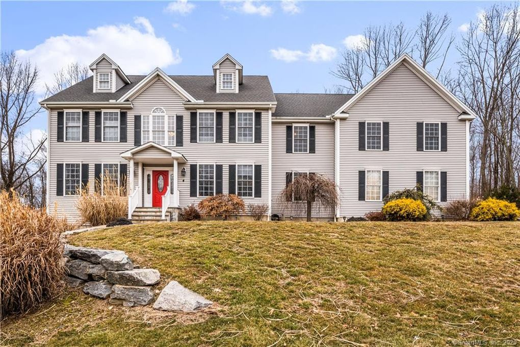 4 Wisteria Ln Oxford, CT 06478