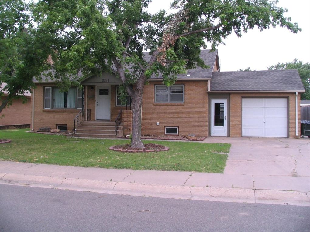 2215 Jackson St Great Bend, KS 67530